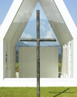 Rodinná kaple v Korutanech od Gerharda Sachera - foto: Paul Ott