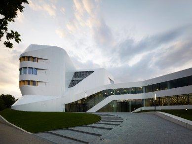 kruh podzim 2015 : Caroline Bos - Procesy územního plánování - Center for Virtual Engineering, Stuttgart - foto: Christian Richters