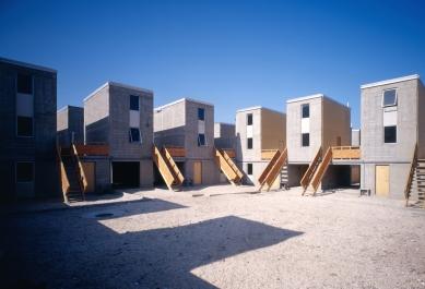 Pritzkerovu cenu získal Chilan Alejandro Aravena - Quinta Monroy Housing, 2004, Iquique, Chile  - foto: Cristobal Palma