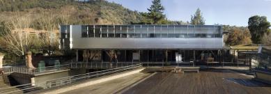 Pritzkerovu cenu získal Chilan Alejandro Aravena - Architecture School, 2004, Universidad Católica de Chile, Santiago, Chile  - foto: Martín Bravo
