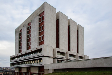 Monika Mitášová: Architekt Vladimír Dedeček - Slovenský národní archiv, 1972 – 1983 - foto: Peter Kuzmin