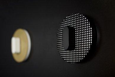 Světová premiéra na Designbloku 2018: Rony Plesl navrhl unikátní skleněné vypínače pro výrobce vypínačů Hager