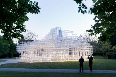 Urban Talks: Sou Fujimoto - Letní pavilon Serpentine Gallery, Londýn - foto: Iwan Baan