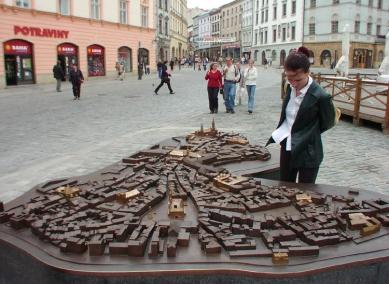 V Přerově bude odhalen nový bronzový model města - Bronzový model města mají již dlouho v sousední Olomouci - foto: Jan Kratochvíl