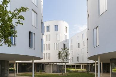Přímočará elegance plasticky tvarovaných budov s odvětrávanou fasádou v Paříži - foto: Manuel Panaget