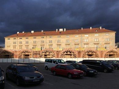 Negrelliho viadukt je druhý nejstarší dosud stojící most v Praze - Z průběhu rekonstrukce Negrelliho viaduktu 13. března 2018