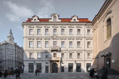 Zasněný dům Franze Kafky - foto: Josef Kubíček