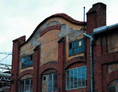 Demolice industriálního dědictví v Klatovech - dosud není rozhodnuto - Secesní část Schifauerovy továrny - slévárna barevných kovů - foto: Václav Fiala
