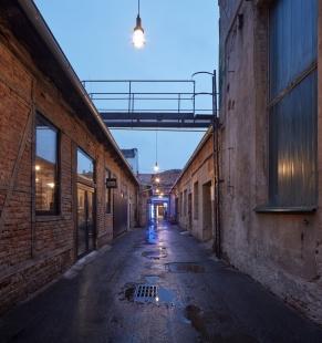 Jak to vypadá v první palírně ginu v Praze? - foto: BoysPlayNice