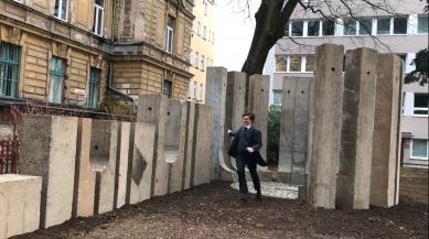 Liberecké univerzita obnovila památník architektu Adolfu Loosovi - foto: FUA TUL