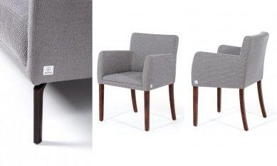 Značení pro nábytek 9× jinak: Designové, elegantní, odolné - 2D hliníkový štítek pro čalouněný nábytek POLSTRIN se stříbrným horizontálně kartáčovaným podkladem a černou barvou je jednoduchý a elegantní.