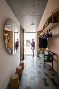 Rodina si na dně lomu zrekonstruovala vlaštovčí hnízdo - foto: Pavel Barták