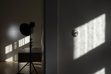 Když se interiér točí kolem otočného vypínače:  rekonstrukce fotoateliéru Luminum