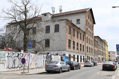 Návrh na prohlášení areálu Mosilany v Brně za kulturní památku - Srostlice továrních objektů M. Kohna na ulici Vlhké - foto: NPÚ
