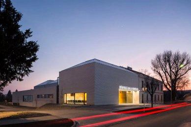 Do 6. ročníku České ceny za architekturu se přihlásilo 170 děl - Městská hala Modřice, Atelier bod architekti - foto: Tomáš Slavík