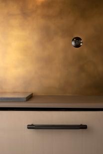 Místo, kde vypínače berker ovládají desítky jedinečných svítidel  - foto: David Raub