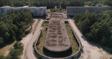 Den architektury 2021 - Film a architektura - Inside Prora (Nico Weber, Německo, 2020