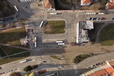 Mendlovo náměstí v novém - rušný dopravní uzel se promění - Fotografie původního stavu