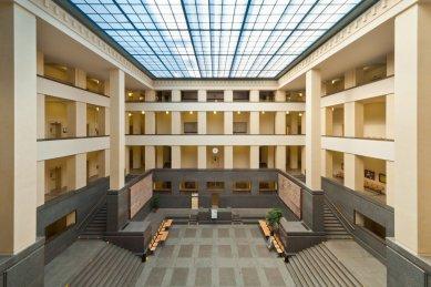 Den architektury 2021 - 300 akcí v 80 městech - Aula Právnické fakulty Univerzity Karlovy v Praze - foto: archiv PFUK