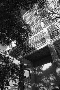 Moderní architektura v Kolumbii - Barranquilla Building, Leopoldo Rother, 1946 - foto: E. Samper