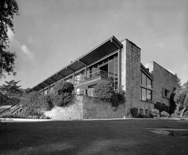 Moderní architektura v Kolumbii - lub, Gabriel Serrano, 1948 - foto: Enrique Guzman