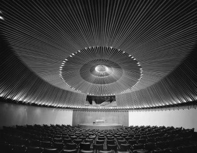 Moderní architektura v Kolumbii - Concert hall , Bogota, German Samper, 1962 - foto: Enrique Guzman