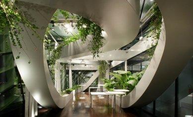Sadar Vuga – slovinské zaklínadlo úspěchu - Panoramatická zahrada CCIS, lobby a přednáškový sál, Lublaň, 2003 – 2004; formule: 3D ornament - foto: archiv Sadar Vuga