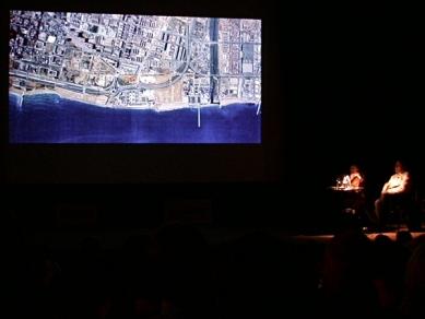 Pražská přednáška FOA - SE Coastal Park & Auditorium, Barcelona - foto: Petr Šmídek, 2005