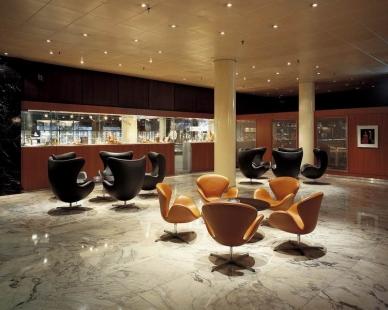 Příběh skandinávské moderny III. - Radisson SAS Royal Hotel, lobby, 1956 - 1961, Kodaň - foto: Fritz Hansen