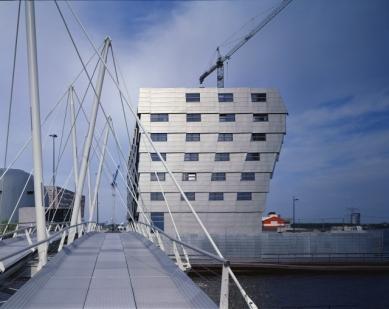 René van Zuuk Architekten: Projects 1992-2007 - Bridge Almere, Block 16 - foto: René van Zuuk Architekten