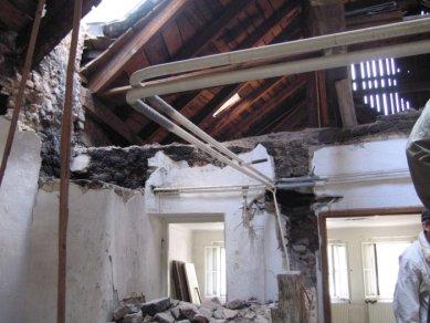 Další dům v Olomouci znehodnocen hernou - Pohled do 1. NP po zahájení stavebních prací bez povolení - foto: Mgr. Jan Kubeš