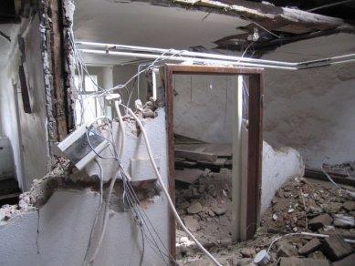 Další dům v Olomouci znehodnocen hernou - Nelegálně zahájená devastace interiéru 1. NP - foto: Mgr. Jan Kubeš