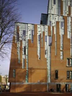 Erick van Egeraat dokončil městské divadlo v Haarlemu - foto: © Christian Richters