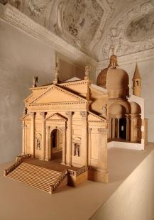 Výstava Andrea Palladio - His Life and Legacy - Kostel Redentore - model, 1972, 154 x 243,5 x 86 cm, dřevo a sádra - foto: Centro Internazionale di Studi di Architettura Andrea Palladio, Vicenza. Photo Alberto Carolo