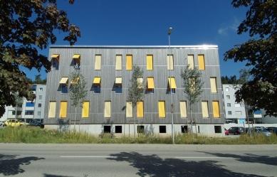 6,5 kWh/m²! Projekt «Green Offices» ve švýcarském Givisiezi překonává votázkách spotřeby energie veškeré rekordy… - foto: Corinne Cuendet Clarens