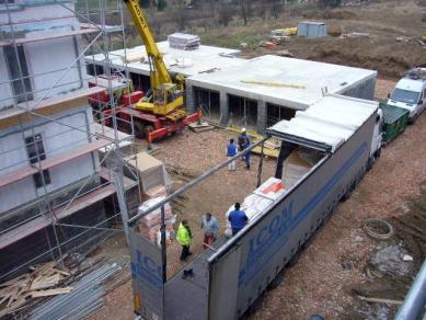 RD Rýmařov staví v Brně obytný park CUBBE - Leden 2009, montáž 1. podlaží