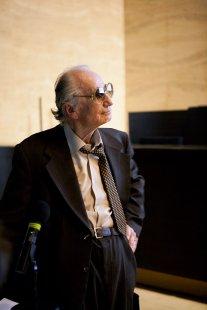 Přednáška Vladimíra Dedečka v podzimním cyklu Matadoři/Matadorky - foto: © Tomáš Souček, 2009