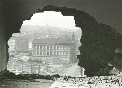 Věčný Žižkov - výstava věnovaná asanaci městské čtvrti - Dobový pohled na žižkovskou školu - foto: Archiv Ivana Vavříka