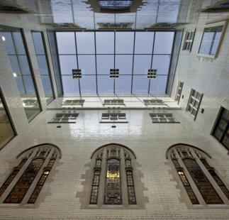 kruh 2010 jaro: Bez Hranic - FAM Architekti - Nejvyšší soud, Londýn - foto: Morley von Sternberg