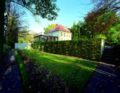 Přednáška Ivana Reimana v NoD - Přestavba a dostavba rezidence čs. velvyslanectví, Berlín 1999 - foto: Müller-Reimann Architekten