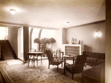 Jan Vaněk (1891–1962) – Civilizované bydlení pro každého - Hotel Avion v Brně, Bohuslav Fuchs, Jan Vaněk (interiéry), 1926 - 1927 - foto: Archiv MMB