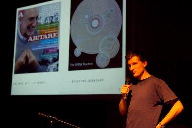 Bez hranic - postřehy z březnové přednášky Kruhu   - Marek Přikryl mohl díky programu ČVUT strávit několik měsíců v janovské kanceláři Renzo Piana. - foto: Tomáš Souček, 2010
