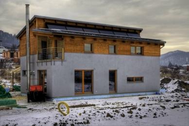 RD Rýmařov postavil pasivní dům sdifúzně otevřenou konstrukcí, který vznikl na bázitypového projektu domu Kubis Lumio - Stav z prosince 2009