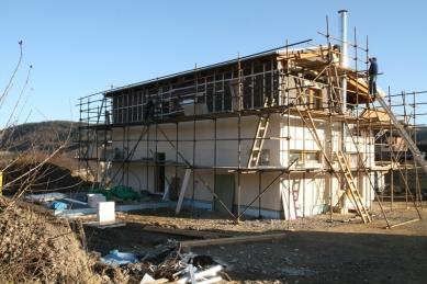 RD Rýmařov postavil pasivní dům sdifúzně otevřenou konstrukcí, který vznikl na bázitypového projektu domu Kubis Lumio - Stav z listopadu 2009