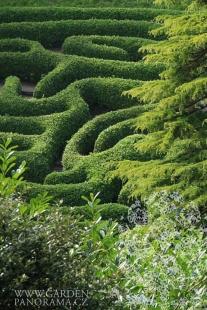 Bloudění zelení - Glendurgan - foto: gardenpanorama.cz