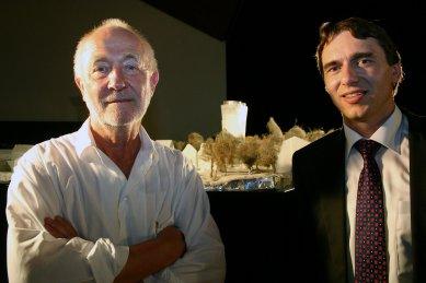 Peter Zumthor představil novou městskou věž v Isny - Peter Zumthor a starosta města Isny Rainer Magenreuter - foto: archiv Happy Materials