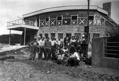 Vila JUDr. Eduarda Lisky na Slezské Ostravě - Bazalech - 21.8.1936 - foto: Lubomír Šlapeta