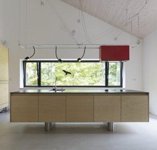 Ideální rodinný domek pro milovníky velkých prosklených prostor, přírodních prvků a propojení moderního s tradičním