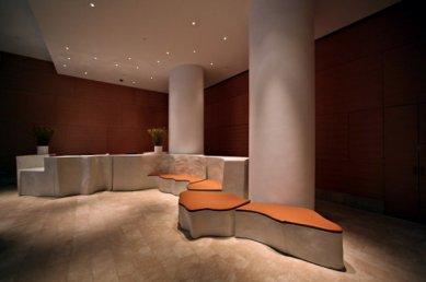 Mrakodrap '8 Spruce Street' v New Yorku od Franka Gehryho