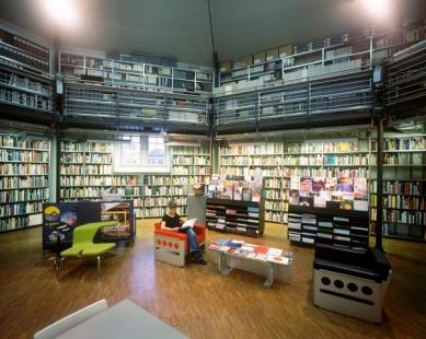 Vídeň: Architekturzentrum Wien - AzW Vídeňská knihovna - foto: Pez Hejduk